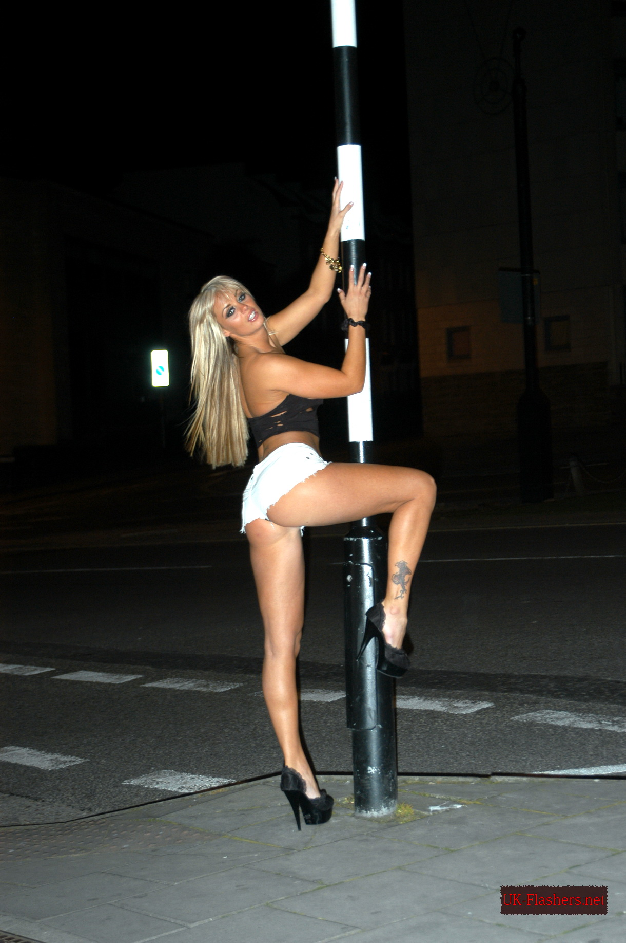 See The Stunning Girls Causing Flashing Outrage On Streets Of